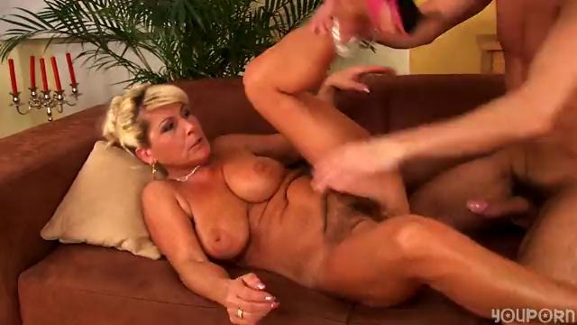 Horny older Berna loves to fuck