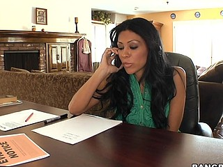 Cassandra Cruz is one sexy mama! This Babe's out for blood. Cassandra is looking to collect her..