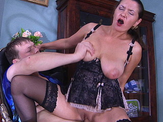Fiery older chick with smashing looks gets kicks from engulf-n-fuck action